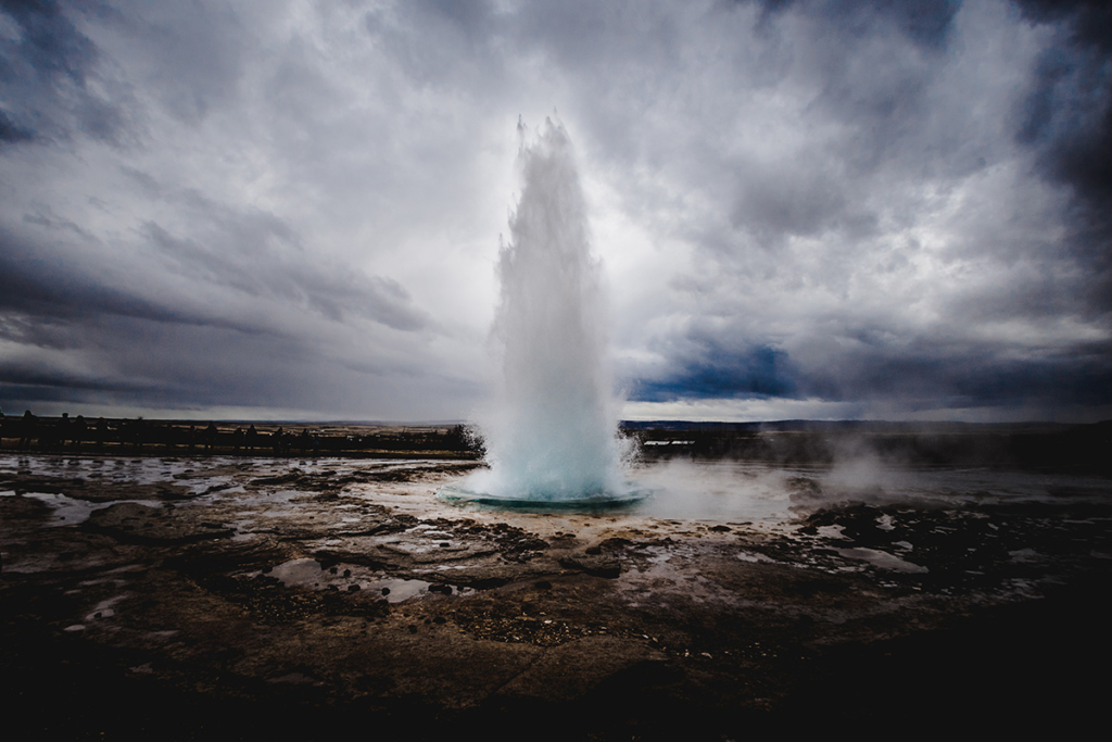 NAjbardziej znany gejzer z gejzerów- Islandia