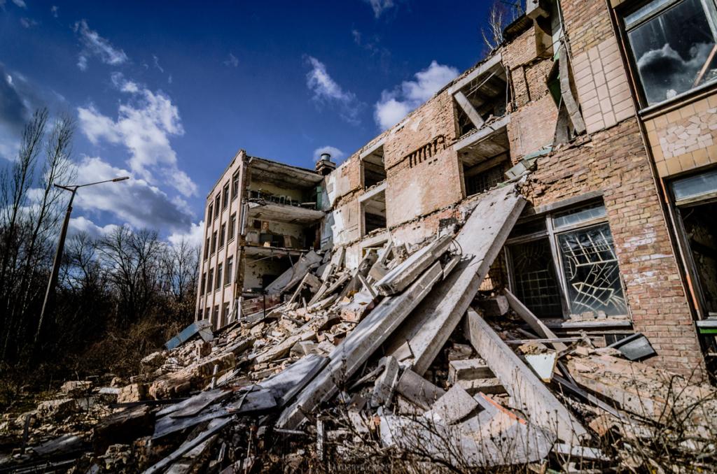Budynek zawalonej szkoły w Prypeci